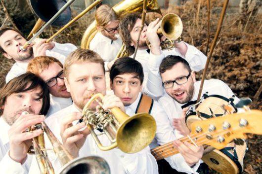 La Brass Banda sind auf Platz 9 der PULS Top 100 (Bild: ©BR puls)