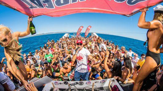 Oceanbeat Party-Boot (Bild: WDR)