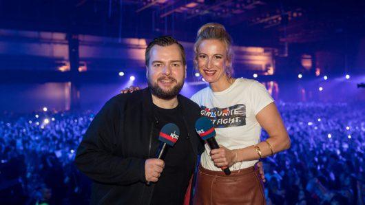 Jens Mahrhold und Ilka Petersen moderierten das Finale (Bild: ©Axel Herzig)
