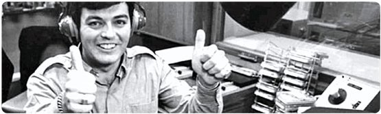 Tony Blackburn beim Start von Radio 1 (Bild: YouTube)