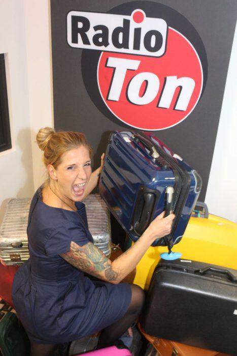 Radio Ton – Knack den Koffer: Franzi Rothe von der Guten Morgen Show möchte wissen was in dem Koffer steckt!