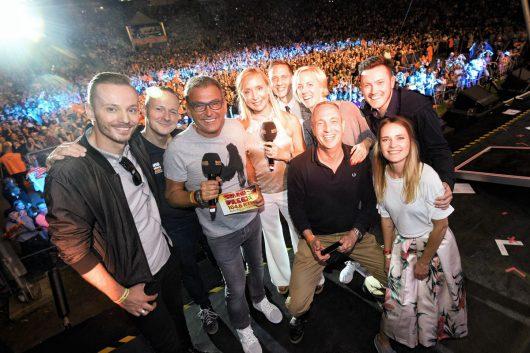 104.6 RTL-Moderatoren auf der Bühne