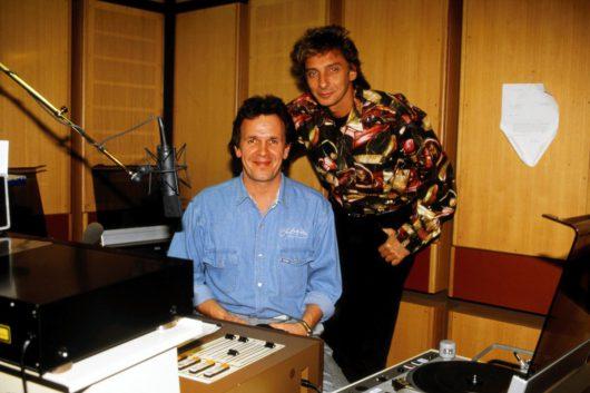 Von links: Fritz Egner und Barry Manilow, März 1985. (Bild: ©BR/privat)