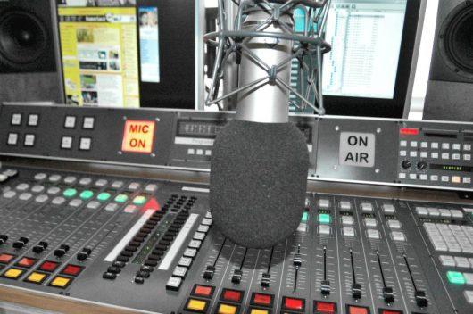 Sendestudio (Bild: RADIO SALÜ)