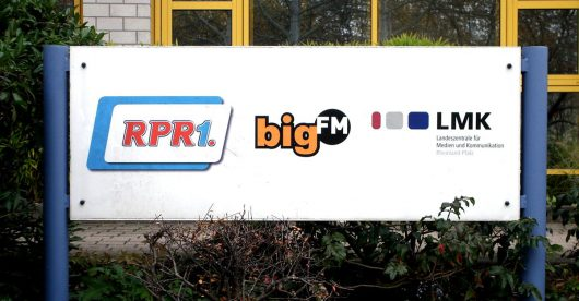 RPR1.-Eingangsschild (Bild: Hendrik Leuker)