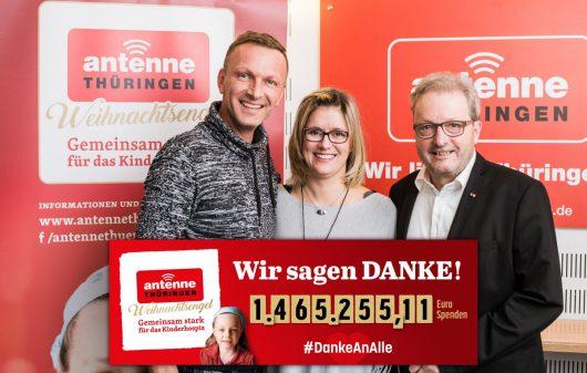 """ANTENNE THÜRINGEN-Weihnachtsengel sammeln 1,5 Millionen Euro: Jens May und Wenke Weber aus """"Guten Morgen Thüringen"""", Klaus-Dieter Heber (Bild: ©GUIDO WERNER)"""