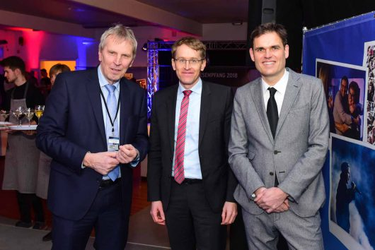 Carsten Kock (R.SH-Chefkorrespondent) Daniel Günther (Ministerpräsident Schleswig- Holstein) Dirk van Loh (Geschäftsführer REGIOCAST )