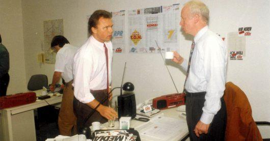 Aufbruchstimmung 1992: Der erste Beiratsvorsitzende Reinhard Köser mit dem heutigen Programmdirektor und Geschäftsführer Mario A. Liese (Bild: © Radio SAW)