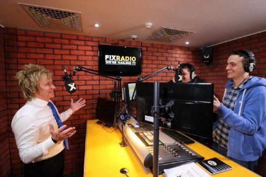 Strafferes Targeting und glückliche Hörer beim Digitalradio Fix Radio (Bild: FIX RADIO)