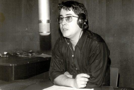 Frank Elstner im Radio Luxemburg-Studio (Bild: privat)