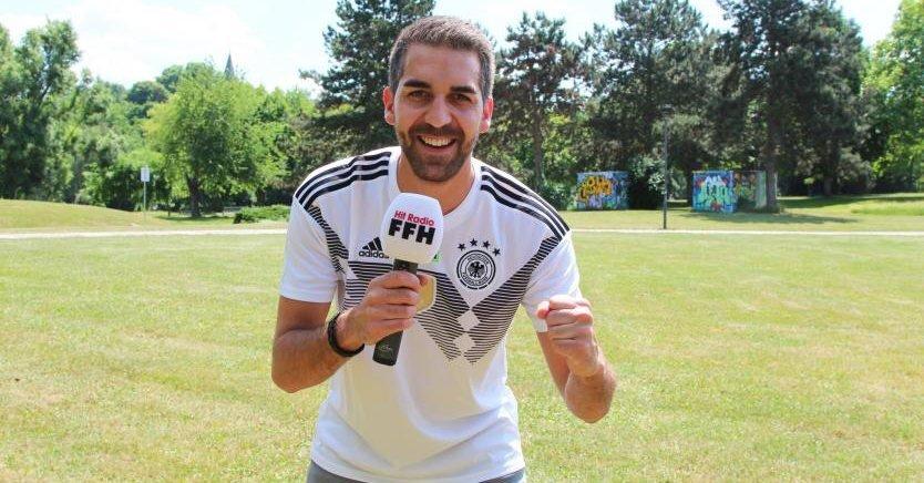 Fussball Wm Ffh Reporter Christian Belz Berichtet Live Aus