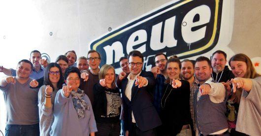 Robin Schuster und Team (Bild: ©die neue welle)
