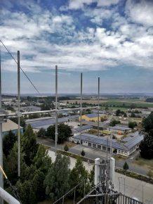 Die neue Sendeantenne am Flughafentower Bitburg (Bild: ©Peter Oonk)