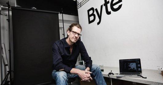 ByteFM-Chef Ruben Jonas Schnell (Bild: ©DirkPudwell)