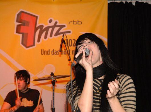 Jennifer Rostock live im Fritz-Radiokonzert (Bild: © rbb/Thomas Ernst)