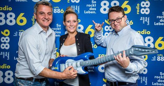 Geschäftsführer Ralph Meier-Tanos, Brandmanagerin Niki Fuchs und Programmleiter Thomas Korponay-Pfeifer (Bild: radio 88.6/David Bitzan)