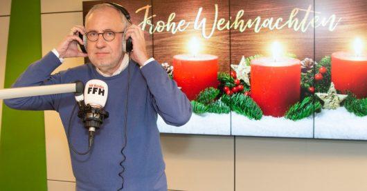 Hans-Dieter Hillmoth zu moderiert Heiligabend 2018 zum letzten Mal dieHessische Weihnacht (Bild: ©FFH)