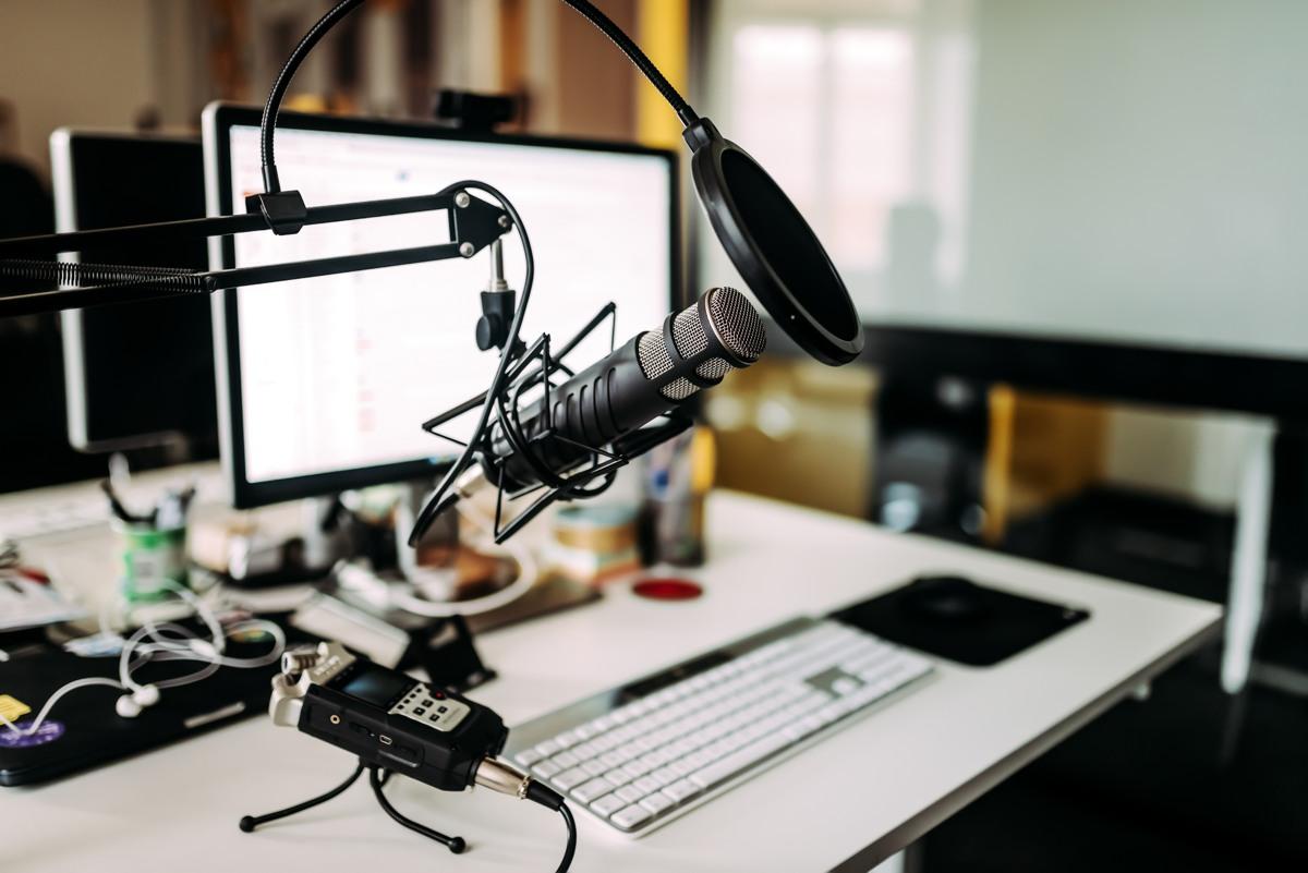 Welche Tools lohnen sich für Radiomacher? (Bild: ©Shutterstock 1111185239)