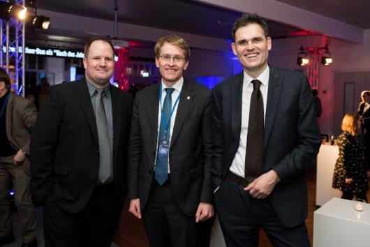 R.SH Jahresempfang 2019: Dirk Klee (R.SH Programmdirektor), Ministerpräsident SH Daniel Günther, Dirk van Loh (Geschäftsführer REGIOCAST)