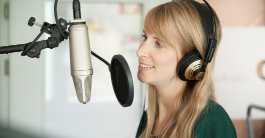Moderatorin Jessica Bleyl (Bild: ERF Medien)