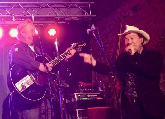 Martin Jones (re.) bei einem Auftritt als Musiker bei den Nashville-Days in Magdeburg (Bild: ©Martin Jones)