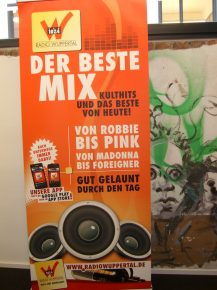Plakat von Radio Wuppertal (Bild: ©Hendrik Leuker)