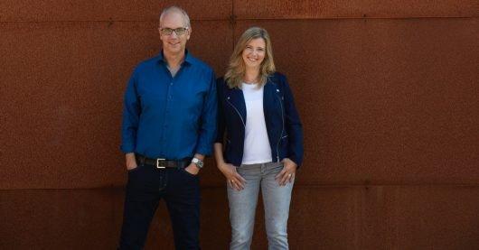 Ein starkes Team: Die beliebten Frühmoderatoren Markus Bußmann (l.) und Ina Atig (r.) freuen sich über die Rekordquote von Radio WAF. (Bild: ©Radio WAF)
