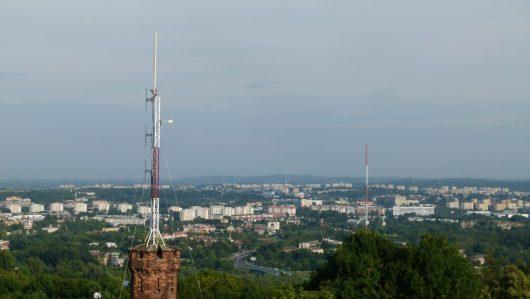 Sendeantenne über dem Hauptsitz von RMF FM (Bild: © Marek Schirmer)