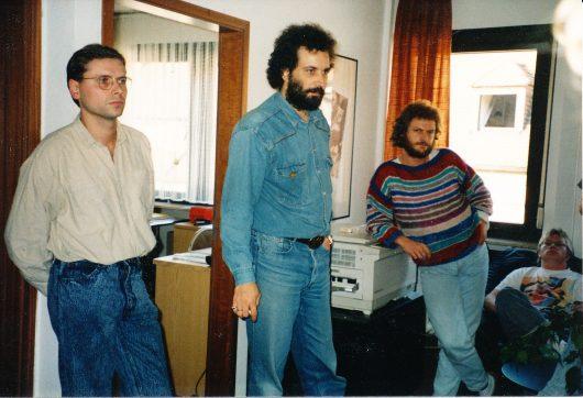 Radio7: Peter Niedner (Bildmitte), rechts von ihm Ulli Stöckle/Redakteur und sitzend Jürgen Stein/Musikredaktion