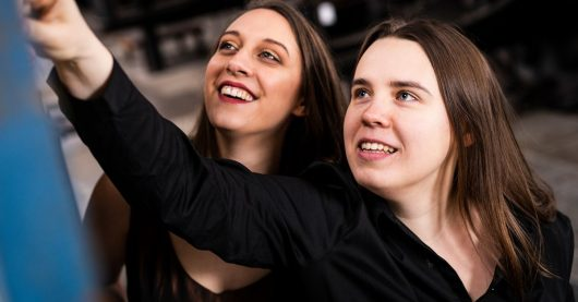 Esther Valentin und Anastasia Grishutina (Bild: ©SWR/Finn Löw)