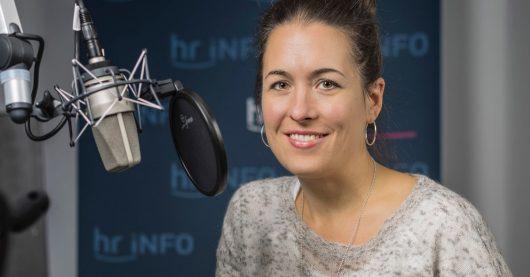 Claudia Meichelbeck, Redakteurin und neue Station Voice bei hr-iNFO (Bild: ©HR/Christian Christes)