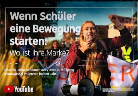 Halbe Haltung: YouTube verschweigt, wer gemeint ist, aber es erschließt sich. (Bild: ©Heiko Dietze)