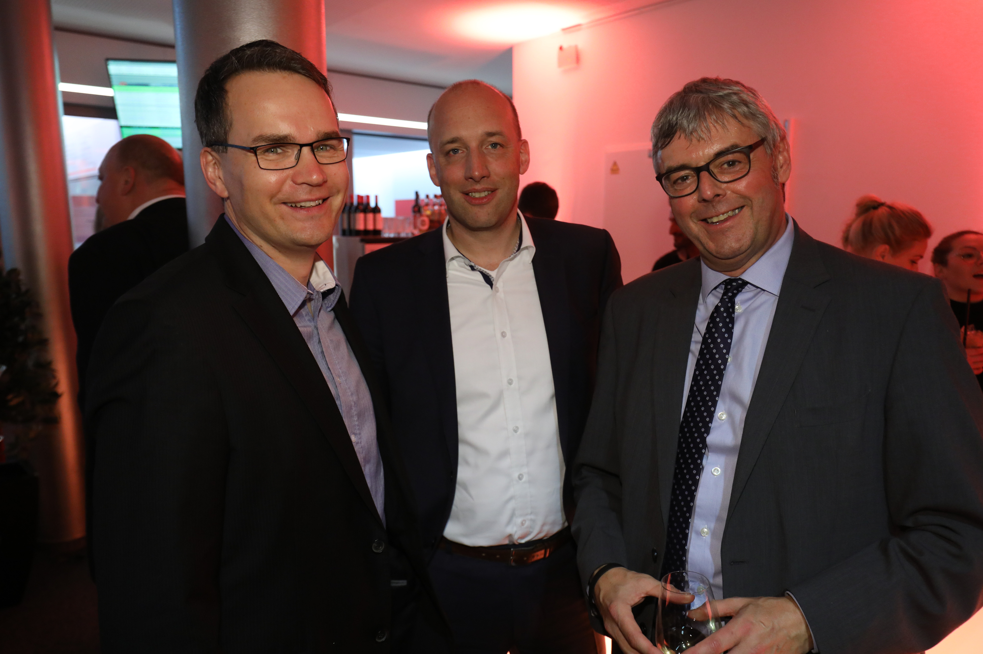 Jochen Anderweit, GF Grafschafter Nachrichten; Claas Schmedtje, GF Braunschweiger Zeitungsverlag; Christopher Franzen, GF NWZ Funk und Fernsehen (Bild: ©ARP/SCHEFFE)