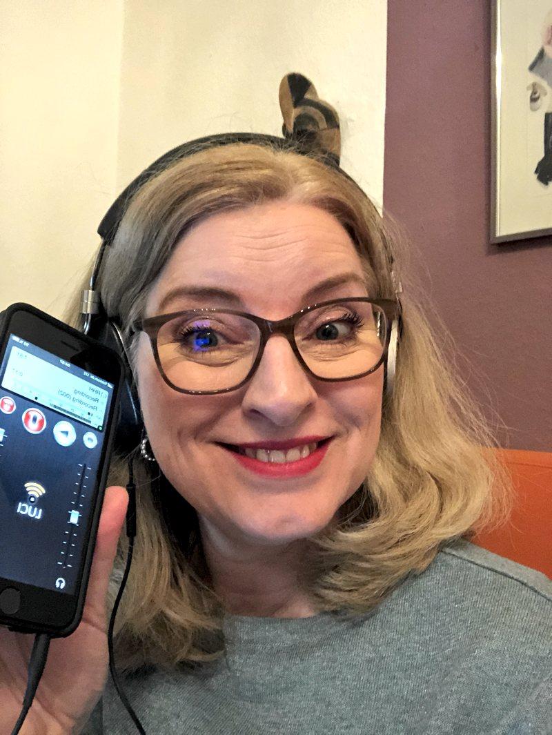 Birgit Hahn sendet von zu Hause via iPhone