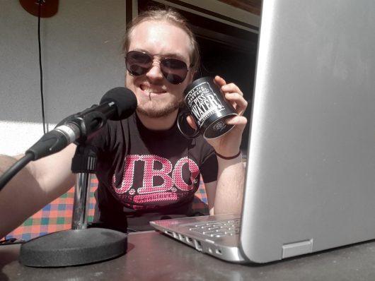 Für Radio Gong moderiert Max Vogel seine Radiosendung aus dem Homeoffice. (Bild: Funkhaus-Nürnberg)