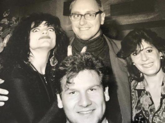 Moderatorenlegende Mike Schneider (unten) aus den Anfangstagen von Radio 7 (1989) mit Nina Hagen, Carlheinz Gern und Ruth Patrich (Bild: privat)