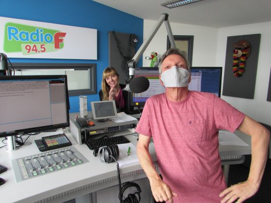 """Radio F-Hörerin Karin Bayer hatte mit """"Babbmlabbm"""" den besten Vorschlag für ein fränkisches Wort für die Corona-Schutzmaske. (Bild: ©Radio F)"""