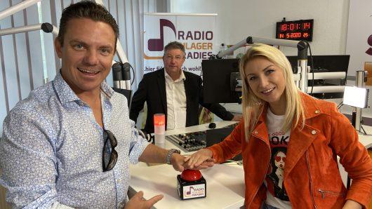 Stefan Mross und Anna Carina beim UKW-Start von Radio Schlagerparadies