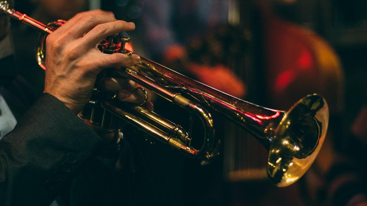 Jazz-Trompete-Chris-Bair (Bild: ©unsplash.com)
