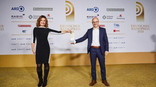 Doreen Strasdas und Bastian Berbner von NDR Info (Bild: ©Deutscher Radiopreis)