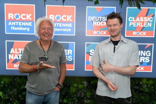 Ossy Hoppe und Musikchef Thomas Metal Moser (Bild: ©ROCK ANTENNE)