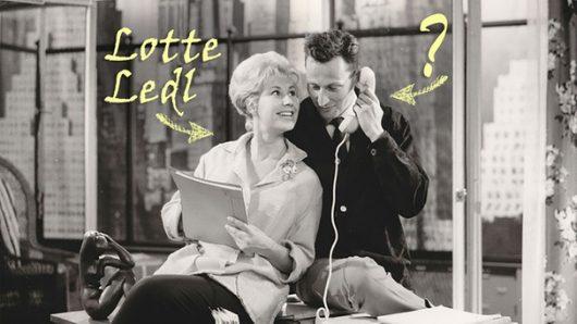 """Standfoto aus """"Keine Zeit für Komödie"""" mit Lotte Ledl [andere Person unbekannt], 1961   Bild: BR, Historisches Archiv/ Paul Sessner)"""
