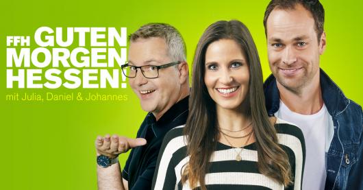 """""""Guten Morgen, Hessen""""-Moderatoren Julia Nestle, Daniel Fischer und Johannes Scherer (Bild: ©HIT RADIO FFH)"""