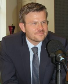 Der Nürnberger Oberbürgermeister Marcus König ist am Freitag zu Gast in einer Sondersendung von 98.6 charivari, Radio Gong, Radio F und Hit Radio N1 (Bild: ©Funkhaus Nürnberg)
