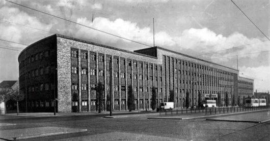Haus-des-Rundfunks-Berlin (BIld: Postkarte von 1939)
