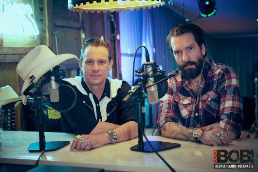 The BossHoss sind mit Rodeo Radio jeden zweiten Samstag on air (Bild: ©RADIO BOB!)