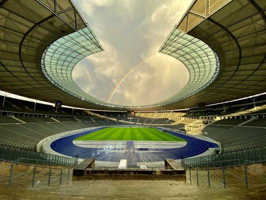 Thundermother im Olympiastadion (Bild: STAR FM)
