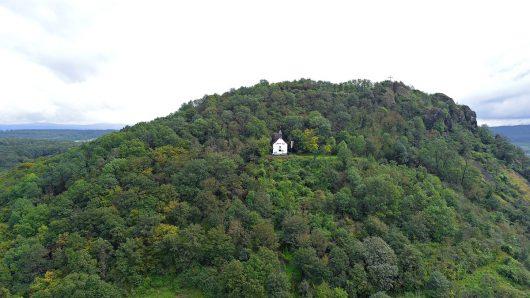 Maria-Hilf-Kapelle mit Ahrtalradio-Antenne (Bild: Christian Milling)