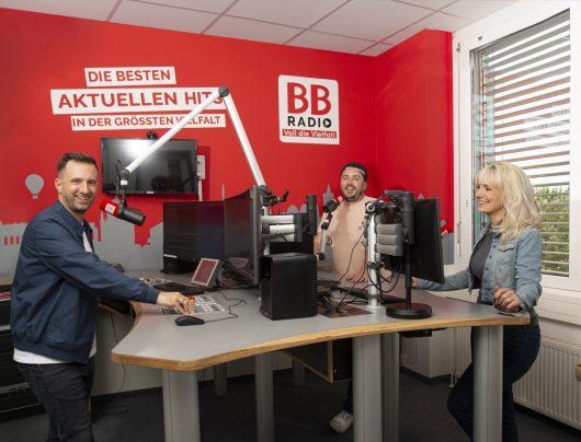 BB RADIO-Studio mit Sawatzki, Maiki und Marlitt (Bild: BB RADIO)