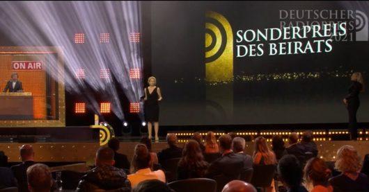 Valerie Weber würdigt die Leistungen von Radio Wuppertal (Bild: Deutscher Radiopreis-Livestream)